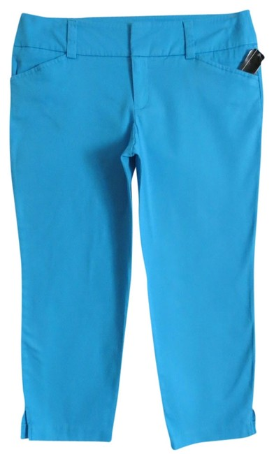 Preload https://item2.tradesy.com/images/agb-blue-new-with-tags-capris-size-8-m-29-30-699081-0-0.jpg?width=400&height=650
