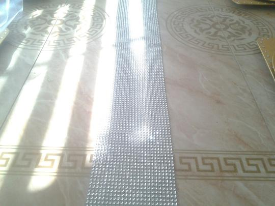 Silver Rhinestone Sparkle Bling Wedding Table Runner Tablerunner