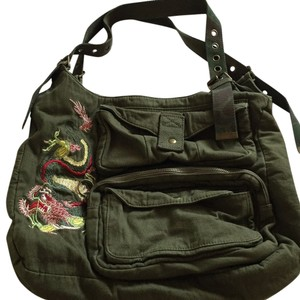 Deena & Ozzy Tote in Military Green.