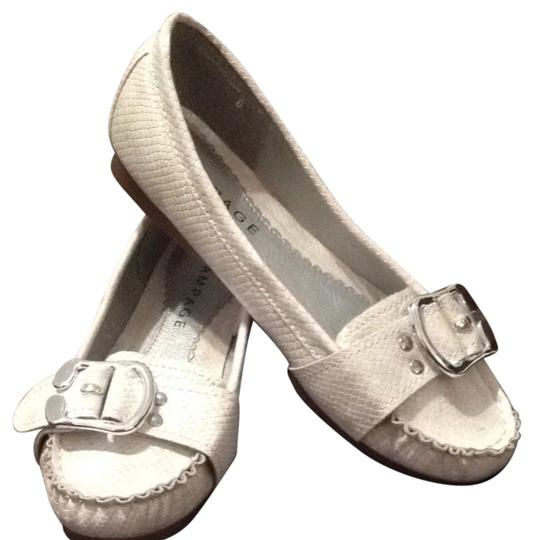 Preload https://item3.tradesy.com/images/rampage-pearl-lullaby2-flats-size-us-8-regular-m-b-702282-0-0.jpg?width=440&height=440
