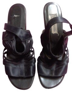 Steve Madden Chic Strappy Satin black Platforms
