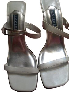Bakers Chic Metallic Hardware white Sandals