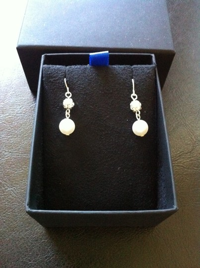 Pave Crystals drop pearl earrings pave crystals simulated pearl drop earrings. Cream color, 8mm diameter, 1 inch drop