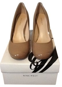 Nine West Dk Natural Pumps