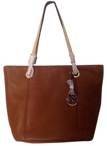 Michael Kors Leather Tote in Luggage