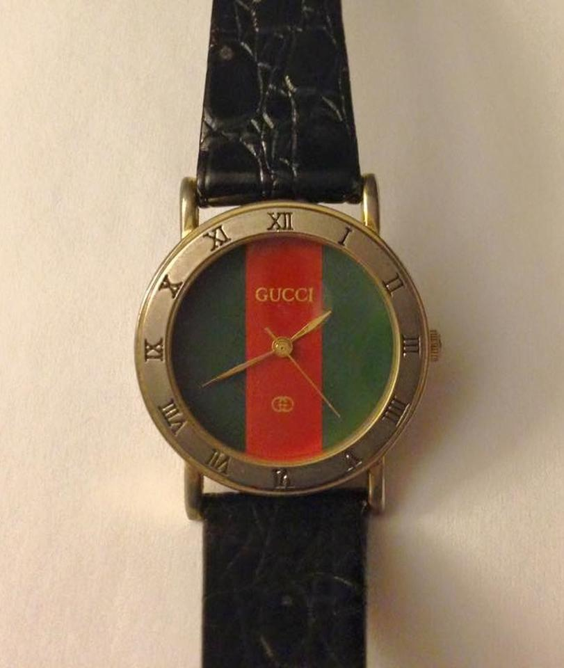 4185e820458 Gucci Red Green 3000 Mid-size Vintage Watch - Tradesy