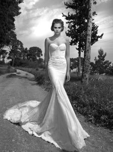 Inbal Dror 13-23 Wedding Dress