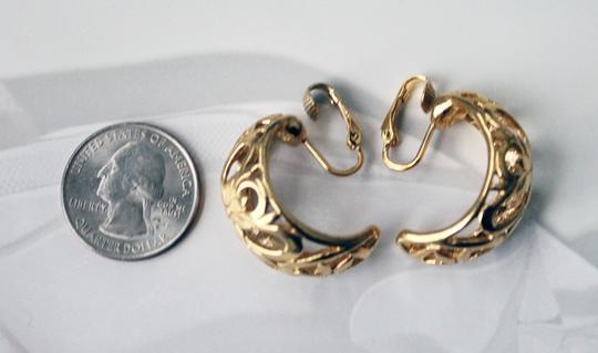 Other Gold Plated Curve Motif Cutout Clip-on Earrings