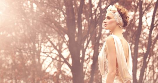 Lusan Mandongus Ivory Satin Vintage Wedding Dress Size 2 (XS)