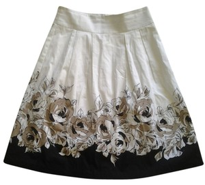 Le Chateau Skirt White with tan and black