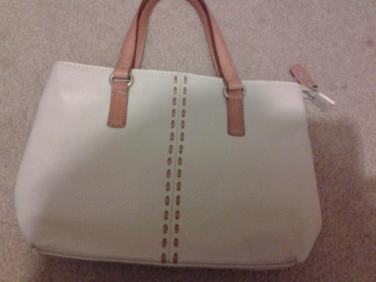 Fossil Leather Tote in white/cream, with light brown