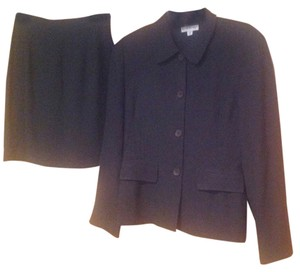 bebe Bebe 2 piece skirt suit. Jacket so 10; skirt sz 4