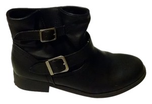 SO Ankle Buckles Faux Leather Like New Black Boots