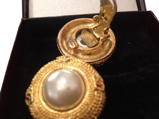 Preload https://item5.tradesy.com/images/chanel-gold-pearls-cc-circular-earrings-707699-0-0.jpg?width=440&height=440