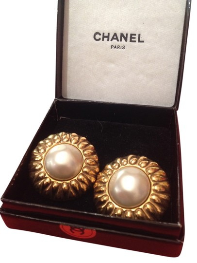 Chanel Chanel Pearls