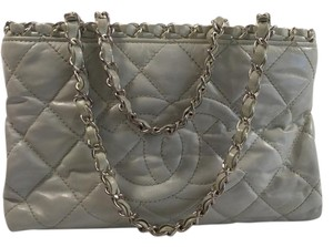 d473efd808b920 Chanel Chain Strap Silver Open Top Zipped Compartments Tote in Ivory. Chanel  Chain Me Mini Ivory Lambskin Tote
