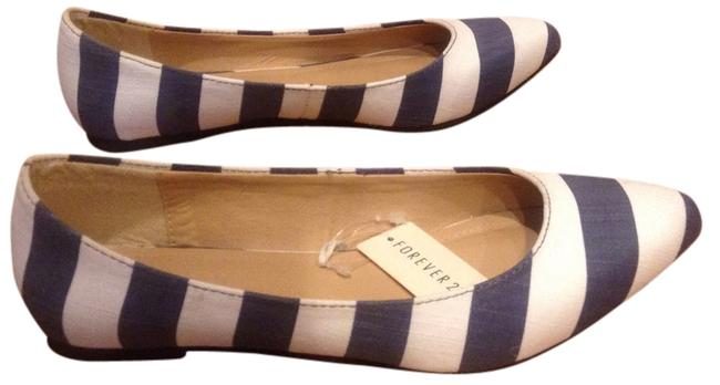 Item - Blue and White Flats Size US 6.5