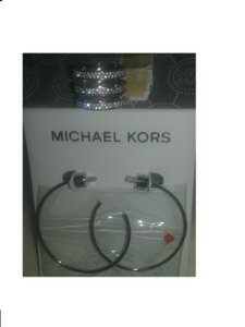 Michael Kors 2 Piece SET**Tri-Stack Ring & Silver Tone Hoops