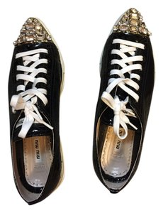 Miu Miu black and white Flats
