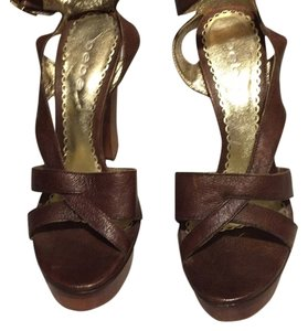 bebe brown Platforms