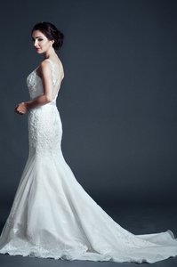 Kari Chang Eternal Kari Chang Eternal Kcw1576 Lace V-back Trumpet Wedding Dress