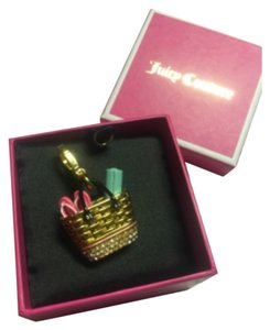 Juicy Couture BRAND NEW! Juicy Couture RARE 2014 WICKER BEACH BAG Charm!
