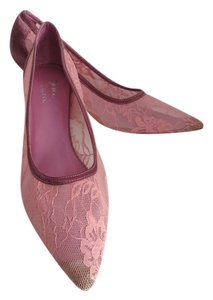 Susan Lucci Lace Satin Size 8 Pink. Peach, Purple Pumps