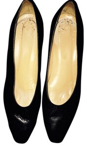 Ann Taylor Leather Work Black Pumps