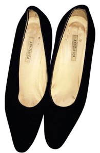 Ann Taylor Suede Black Pumps