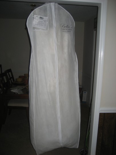 Casablanca Ivory/Ivory/Silver Tulle and Silky Satin 2110 Vintage Wedding Dress Size 6 (S)