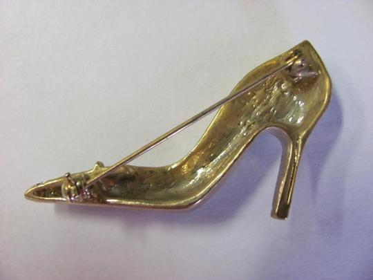 COLOUR MATES SHOE PIN /BROOCH NEW ON CARD