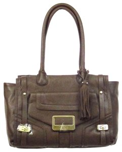Guess 15 W X 10 H X 2 1/2 D Inches Satchel in Coffee