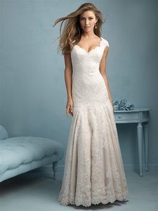 Allure Bridals 9208 Wedding Dress