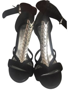 Alexander McQueen Black and silver Pumps