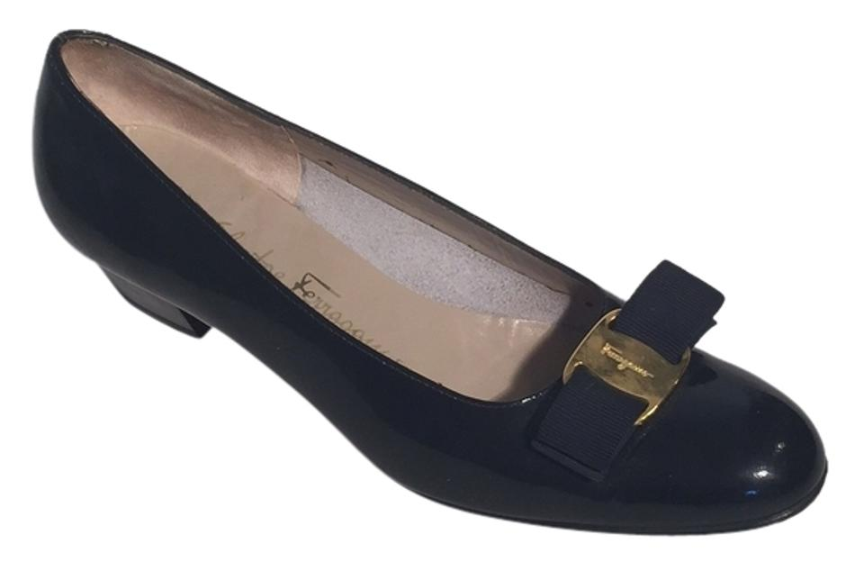 Salvatore Ferragamo Navy Kitten Blue Patent Leather Vera Bow Kitten Navy Heels. Pumps 28302a