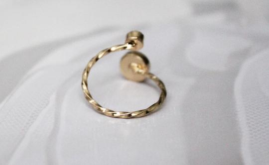 Gold Tone Round Twist Stone Ring Size 6 Gold Tone Round Twist Stone Ring Size 6