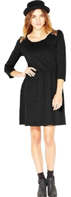 Preload https://img-static.tradesy.com/item/7125427/maison-jules-black-quilted-lace-panel-short-casual-dress-size-0-xs-0-1-650-650.jpg