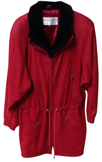 Item - Red with Black Fur Collar. Jacket Size 6 (S)