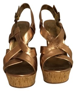 Vince Camuto Bronze/ Gold Pumps