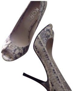 Michael Kors Snakeskin/Grey Pumps
