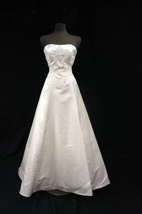 Anne Barge Ivory Silk Satin A-line Gown with Alencon Lace At Waist Wedding Dress Size 10 (M)