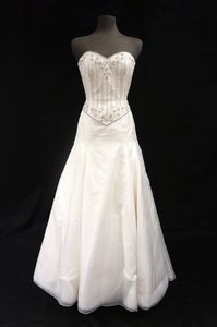 Anne Barge Ivory Silk Organza Gown with Beaded Bodice Wedding Dress Size 10 (M)