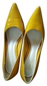 Delicious Polished Yellow Pumps