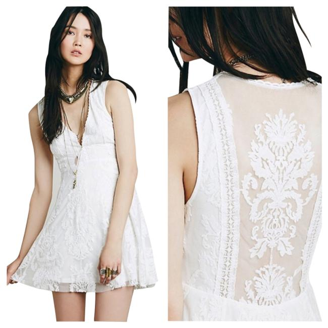 Item - Ivory Reign Over Me Above Knee Short Casual Dress Size 4 (S)