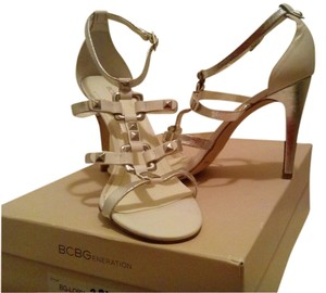 BCBGMAXAZRIA Leather/studded SILVER/WHITE Pumps