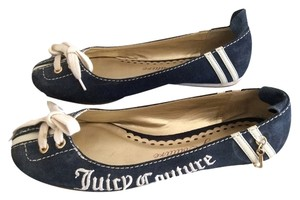 Juicy Couture Suede Navy and white Flats