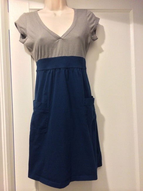 Preload https://item2.tradesy.com/images/old-navy-above-knee-short-casual-dress-size-6-s-716011-0-0.jpg?width=400&height=650
