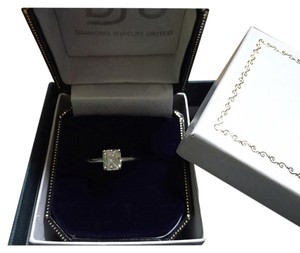 DJU 1.02 CT F/VVS2 Radiant Cut Diamond Solitaire Ring.