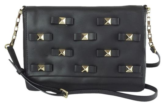 Preload https://img-static.tradesy.com/item/7161475/kate-spade-new-york-bow-terrace-konnie-in-asphalt-black-leather-clutch-0-2-540-540.jpg