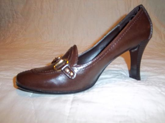 Highlights Brown Pumps